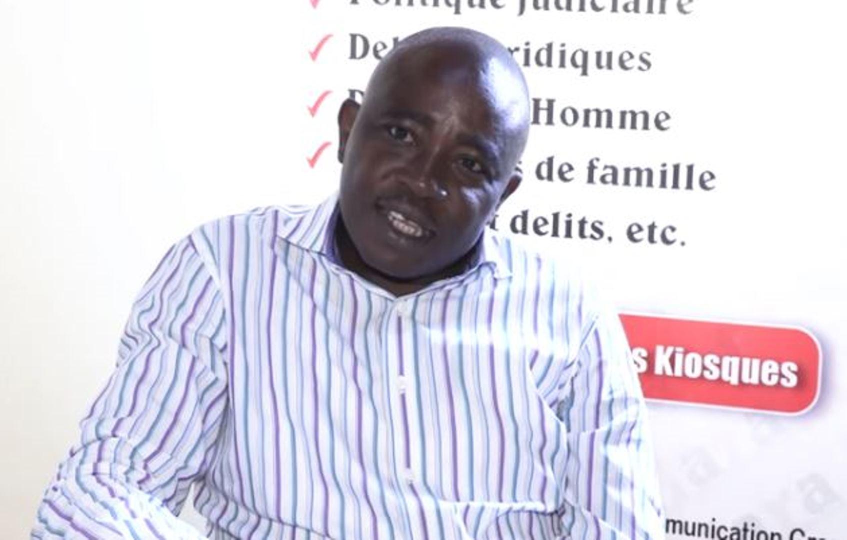 Christophe Bobiokono échappe à la prison