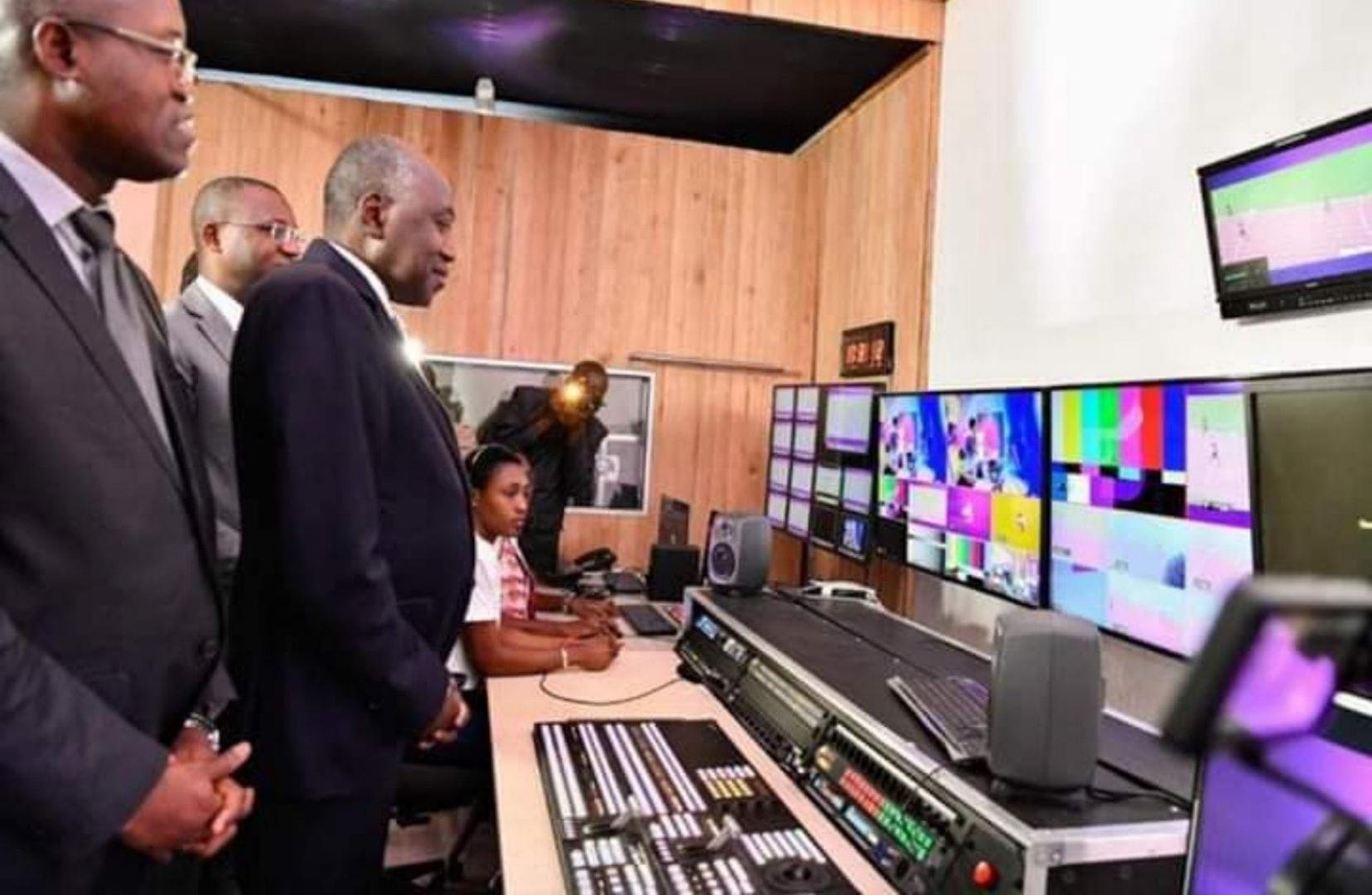 La Côte d'Ivoire veut lancer une chaine de télévision et radio 100% Education