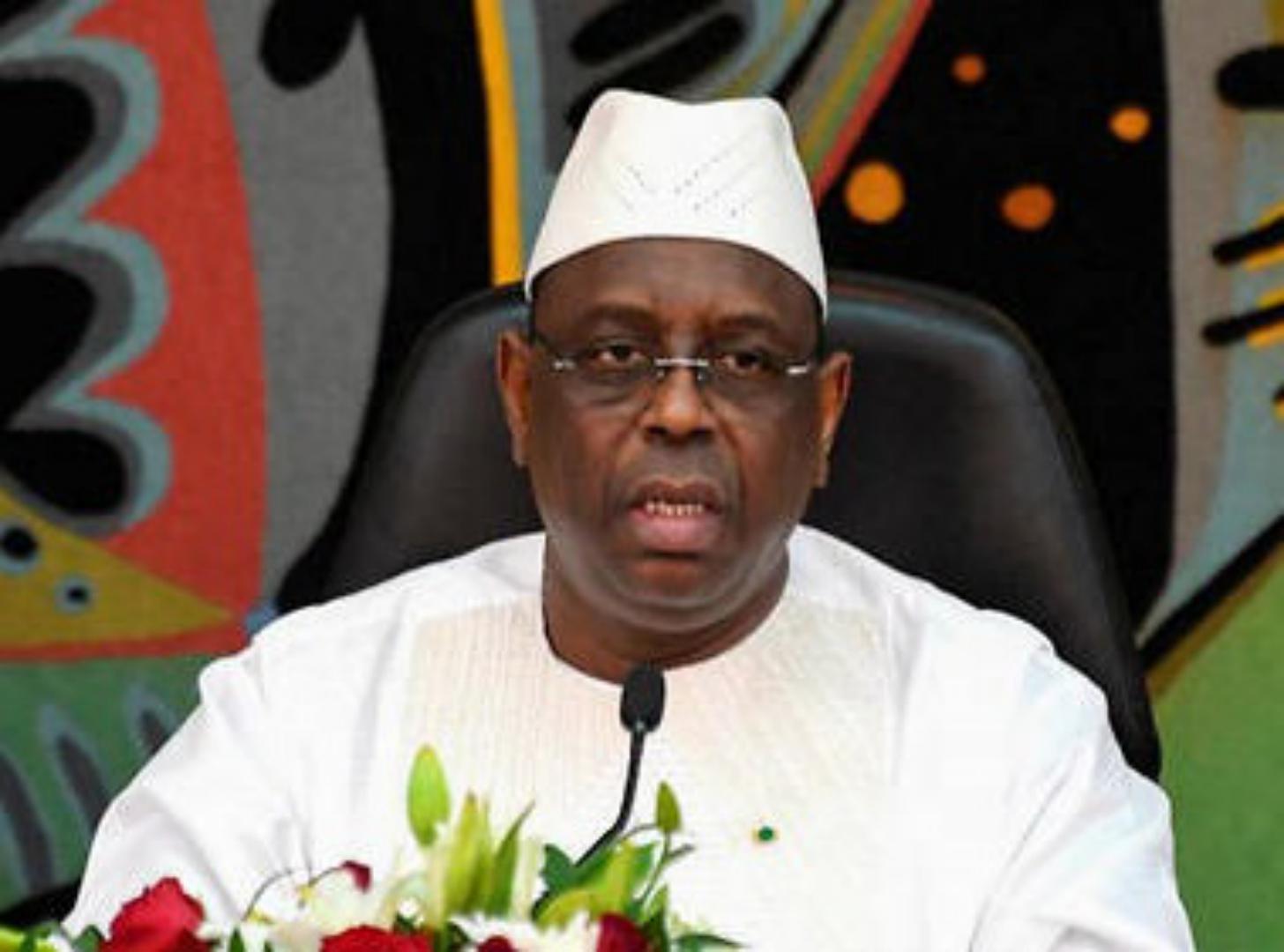 Sénégal : Macky Sall exprime ses condoléances à la presse à la suite du décès de trois journalistes dans un accident